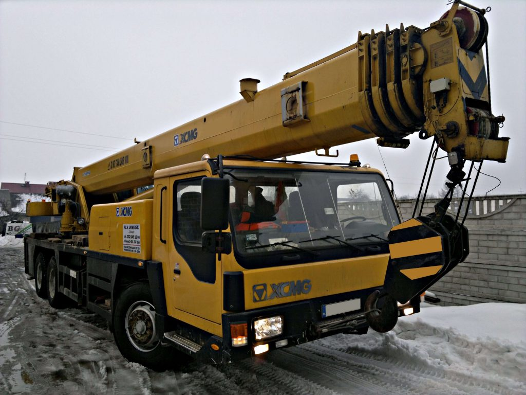Dzwig samojezdny XCMG 30 ton